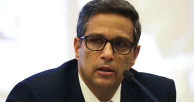 Presidente do BC: é preciso trabalhar para reduzir os juros do crédito<BR><BR>