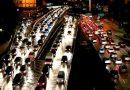 Ouvir música ao dirigir pode diminuir o estresse no trânsito<BR><BR>