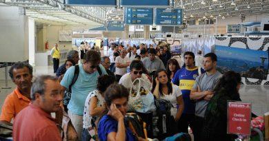 Aeroportos do Rio esperam receber quase 480 mil pessoas no carnaval<BR><BR>
