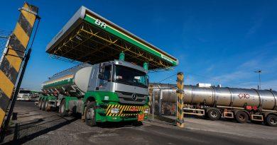 Preço médio do diesel segue em alta em setembro e litro se aproxima de R$ 5,00