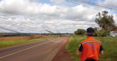 Chuva deixa 250 mil pontos sem energia no Paraná