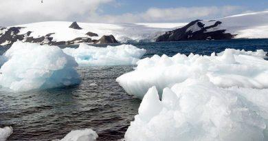 Antártica: degelo provoca separação de iceberg<BR><BR>